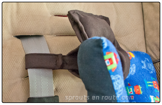 a baby travel pillow tutorial diy 10